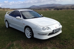 Honda Integra Type R in Championship White with red alcantara Recaro seats